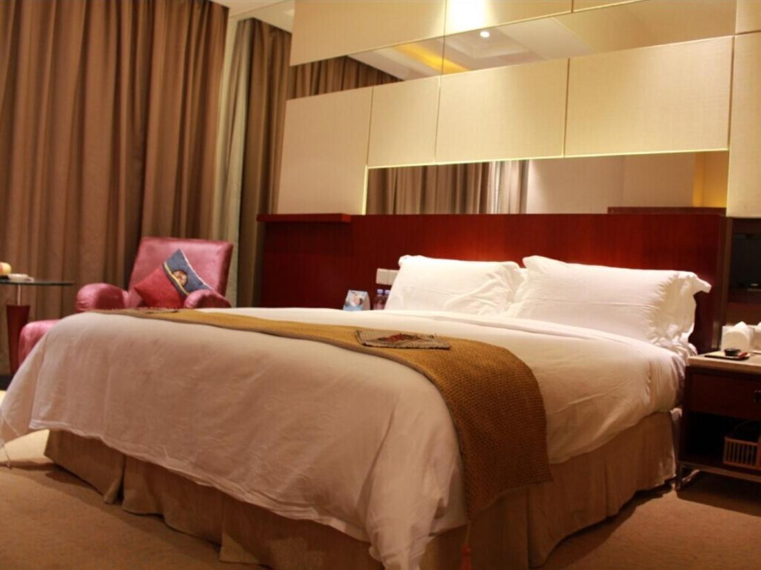 东莞四星级酒店:半岛酒店;可可花园酒店;名典商旅酒店