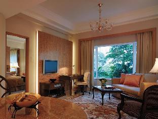 Shangri-La Apartments2