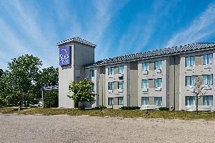 Booking Now ! Sleep Inn near Great Lakes Naval Base