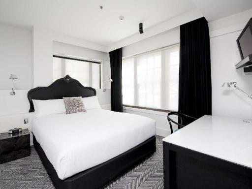 Peppers Gallery Hotel hotel accepts paypal in Canberra