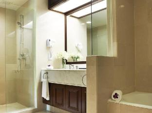 Evergreen Laurel Hotel Penang - Suite Bathroom