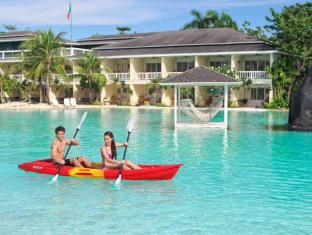 Plantation Bay Resort & Spa Mactan Island - Kayaking