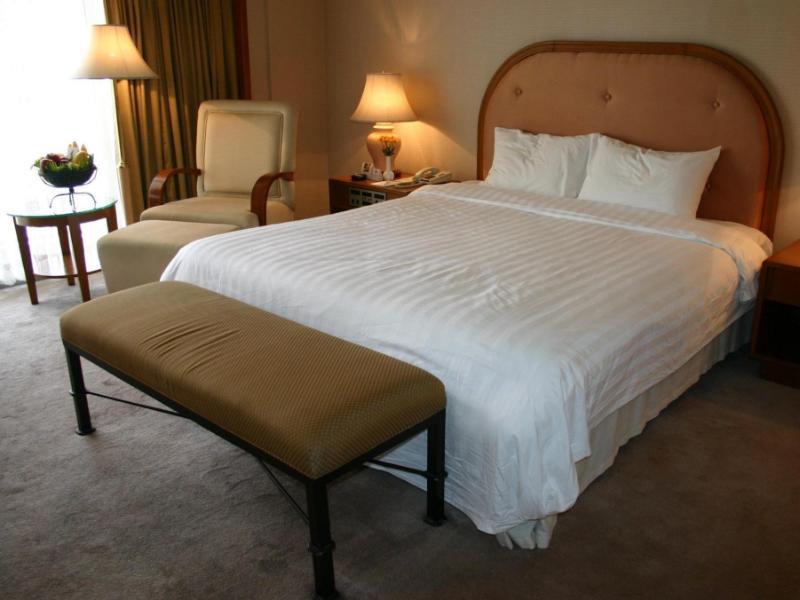 センチュリー パーク ホテル (Century Park Hotel)