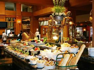 Century Park Hotel Manila - Eten en drinken
