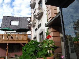 Hotel F image