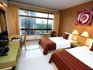 Pinnacle Lumpinee Park Hotel Bangkok - Deluxe Room with Park View