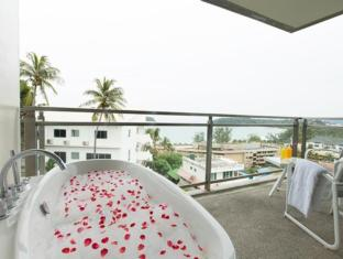 Sugar Palm Grand Hillside Hotel Phuket - Grand Jacuzzi Deluxe