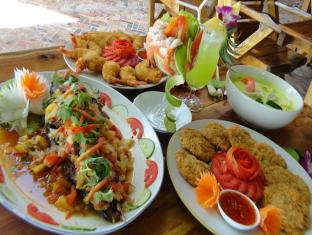 Phi Phi Relax Beach Resort Koh Phi Phi - Food and Beverages