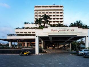 Grand Jomtien Palace Hotel Pattaya - Hotel Building
