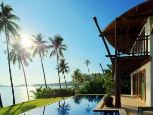 The Village Coconut Island Beach Resort Phuket - Hotellet från utsidan
