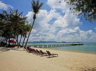 The Village Coconut Island Beach Resort Phuket - Alentours