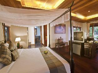 Khaolak Laguna Resort guestroom junior suite
