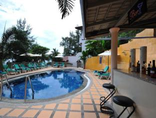 Tri Trang Beach Resort by Diva Management Phuket - Swimming Pool