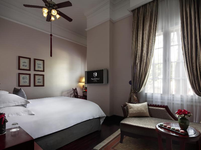 Historical Wing Luxury 2 Single Beds