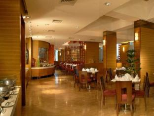 Grand Hometel A Sarovar Hotels Mumbai - Restaurant