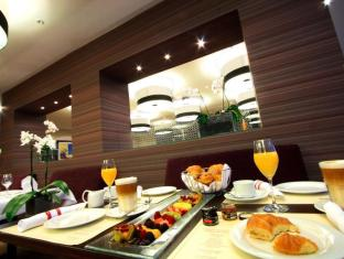 Crowne Plaza Berlin City Centre Nurnberger Hotel Берлін - Ресторан