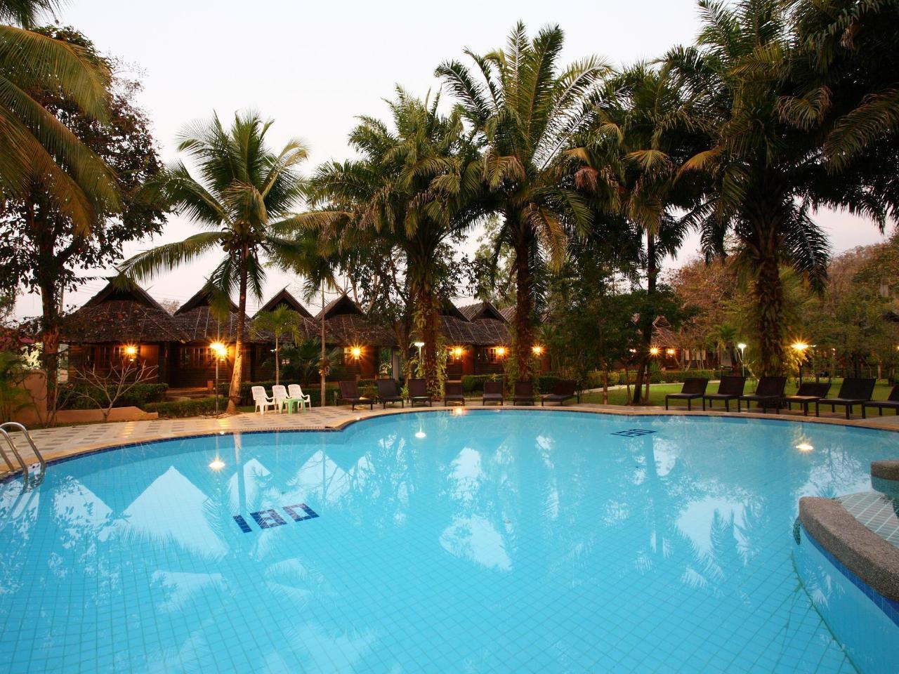 โกลเดนปาย แอนด์ สวีท รีสอร์ต (Goldenpai and Suite Resort)