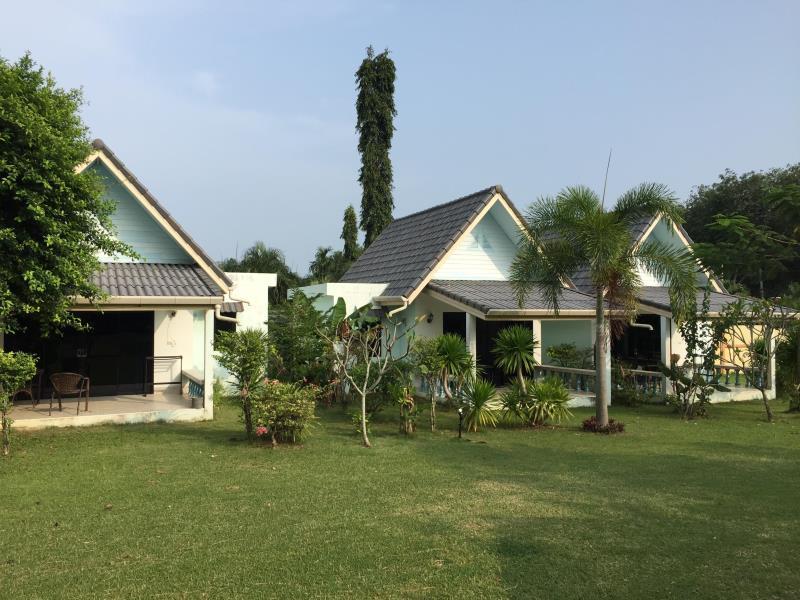 ภูเก็ต ฮอลิเดย์ เฮาส์ - Phuket Holiday House