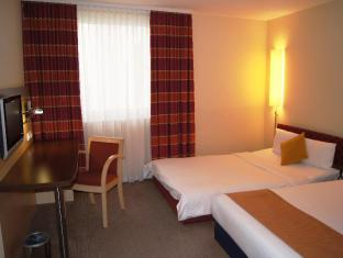Holiday Inn Express Berlin City Centre West Berlin - Guest Room
