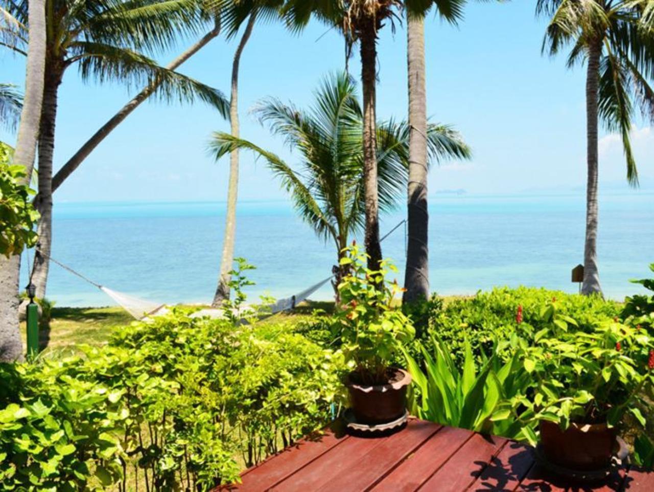 กรีน โคโคนัท 3 เบดรูม บีช ฟรอนต์ วิลลา เอ 9 (Green Coconut 3 Bedroom Beach Front Villa A9)
