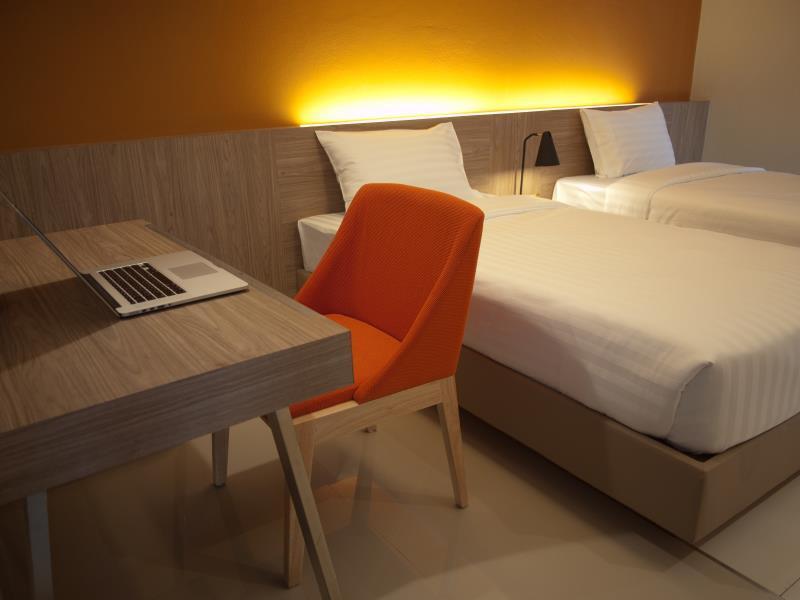 โรงแรมเอ บิซ