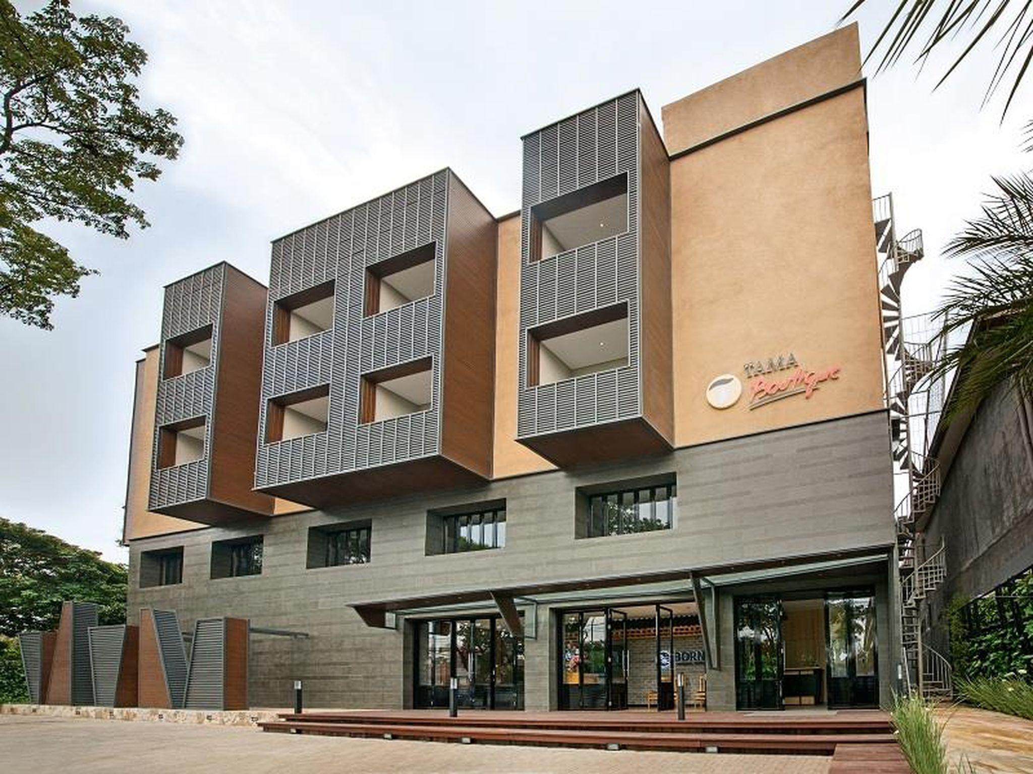 Hotel Tama Boutique Hotel - Dr. Rajiman No. 5 Bandung 40171 West Java- Indonesian - Bandung