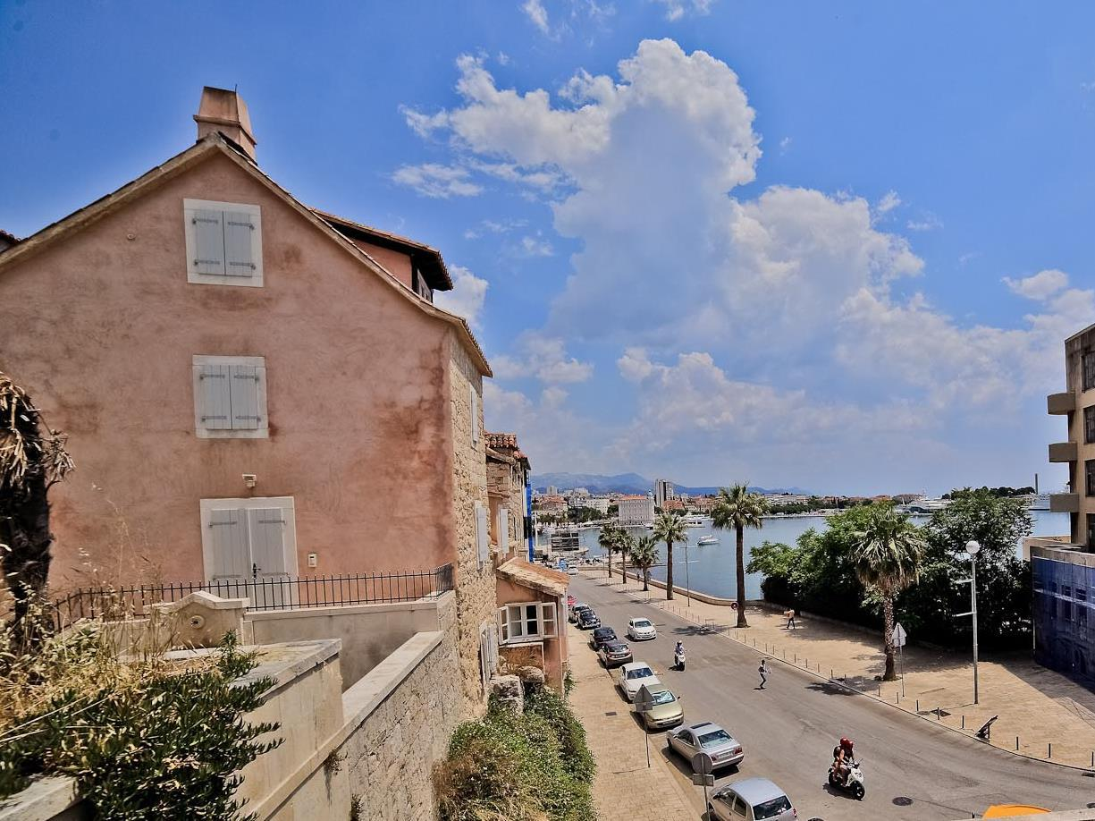 Garden Apartment Hotel Split – Split 1