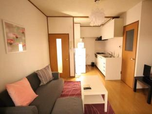 Large 2Bdr. 1 min from Azabu Sta