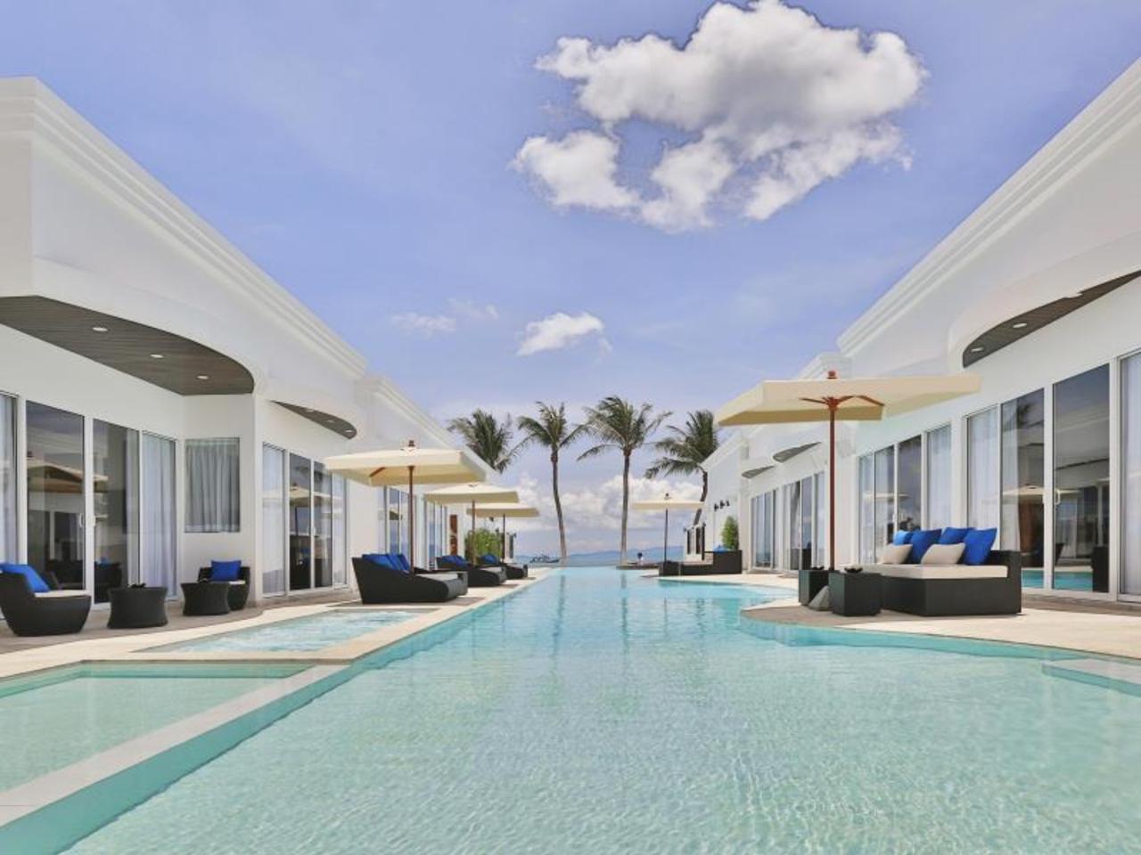 โรงแรมเดอะ พริวิเลจ เอซรา บีช คลับ (The Privilege Hotel Ezra Beach Club)