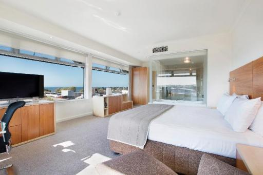 Quality Inn Hotel in ➦ Devonport ➦ accepts PayPal