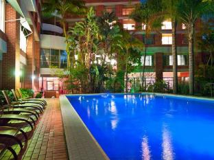 Adina Apartment Hotel Sydney - Crown Street Sydney - Swimming Pool