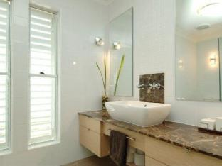 Tobys Beach House review