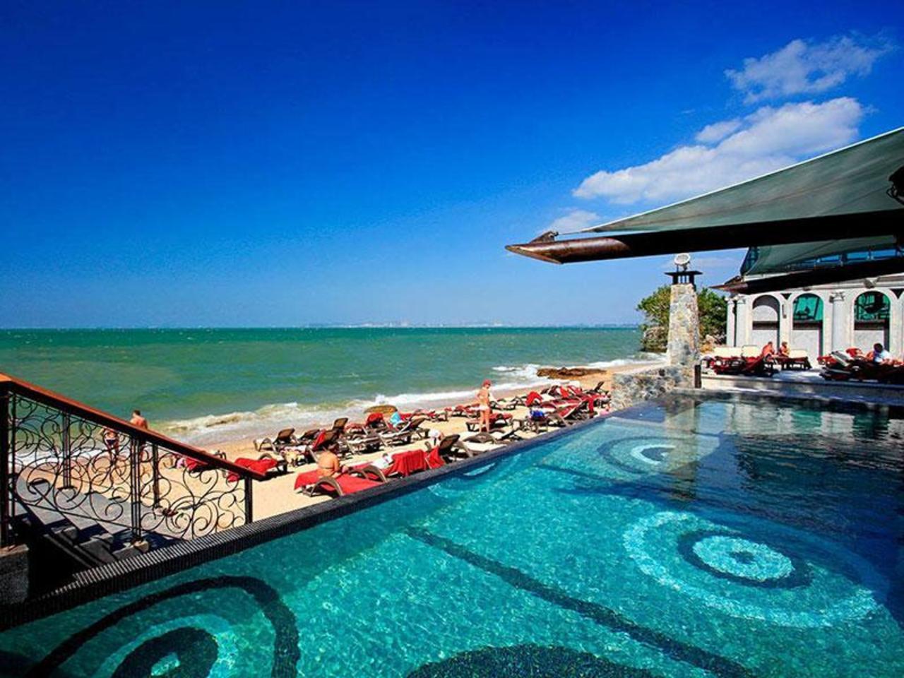 โมดัส รีสอร์ต พัทยา (Modus Resort Pattaya)