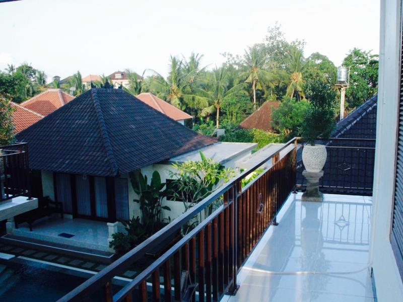Hotel Queen Bisma Villa  - Jalan Bisma ( Behind Kings Tato ) - Bali