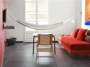 Casa Camper Barcelona guestroom junior suite