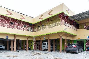 RedDoorz Syariah near Citraland Banjarmasin