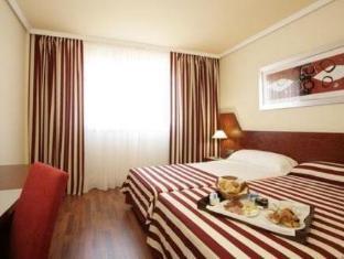 Best PayPal Hotel in ➦ Sant Boi del Llobregat: NH Sant Boi Hotel