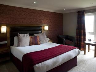 Thornton Hall Hotel & Spa Wirral - Garden View Executive Bedroom