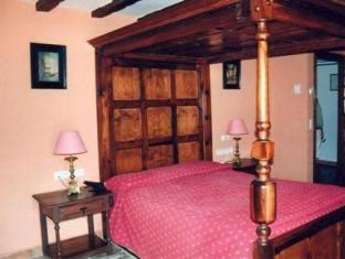 Castillo De Monda Hotel Guaro - Guest Room