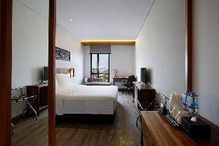 OneBR Deluxe Room with City View - Breakfast