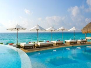 ME Cancun - Complete ME All Inclusive Cancun - Swimming Pool