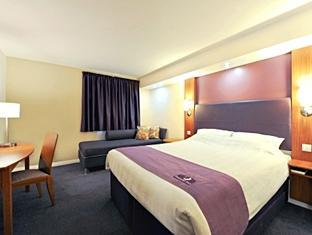 Chesterfield North Premier Inn Hotel Chesterfield - Guest Room