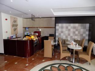 Fortune Classic Hotel Apartments Dubai - Lobby coffee shop