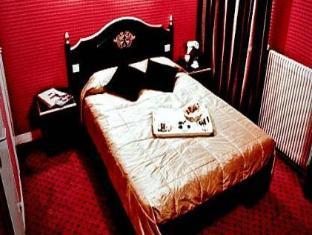 Barock Hotel Paris - Guest Room