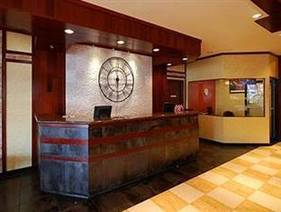 Clarion Hotel at LaGuardia Airport New York (NY) - Front Desk