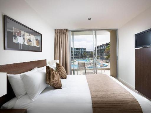 Best guest rating in Great Ocean Road - Torquay ➦ Surf City Motel takes PayPal