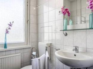Alexanderplatz Apartments Berlin - Bathroom