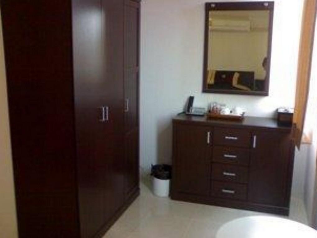 โรงแรมเดอะ บอส สาทร