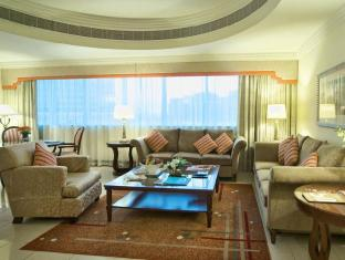 City Seasons Suites Dubai - Deluxe Family Suite