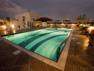 Seven Sands Hotel Apartment Dubai - Swimming Pool